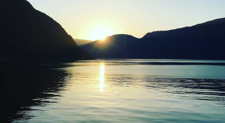 Sonnenuntergang am Hardanger Fjord